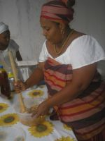 Mae Jaciara prepares typical Candomblé meal